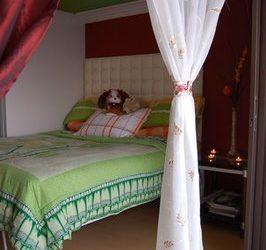 FOR RENT: ONE-BEDROOM CONDOMINIUM UNIT IN GREENBELT RADISSONS IN LEGASPI VILLAGE MAKATI CITY.