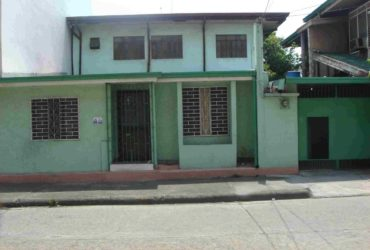 HOUSE FOR RENT IN MAKATI NEAR BUENDIA, LRT, CASH AND CARRY