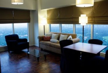 FOR RENT: ONE-BEDROOM CONDOMINIUM UNIT IN FIFTH AVENUE PLACE IN FORT BONIFACIO GLOBAL CITY,