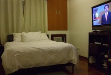FOR RENT/FOR SALE: TWO-BEDROOM CONDO UNIT IN PENHURST PARKPLACE, FORT BONIFACIO GLOBAL CITY .