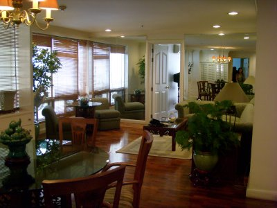 FOR RENT: TWO BEDROOMS CONDO UNIT IN EASTON PLACE IN SALCEDO VILLAGE, MAKATI CITY,