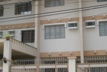 MAKATI TOWNHOUSE FOR SALE AT 6.2M ONLY
