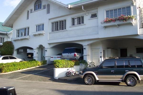 TOWNHOUSE FOR SALE QUEZON CITY – WOODSIDE NEW MANILA QUEZON CITY