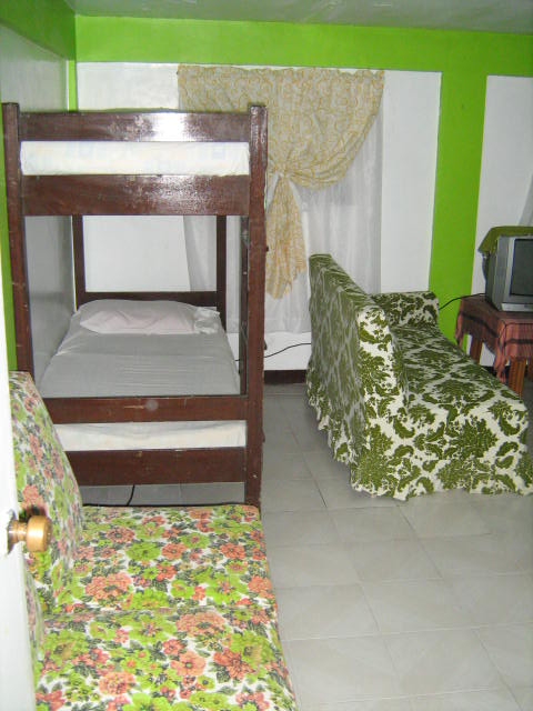 APARTMENT FOR TRANSIENTS 250 per Head – Central Fairview Subd., Baguio City