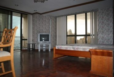 FOR RENT: THREE-BEDROOM CONDO UNIT IN SKYLAND PLAZA IN BUENDIA AVENUE, MAKATI CITY