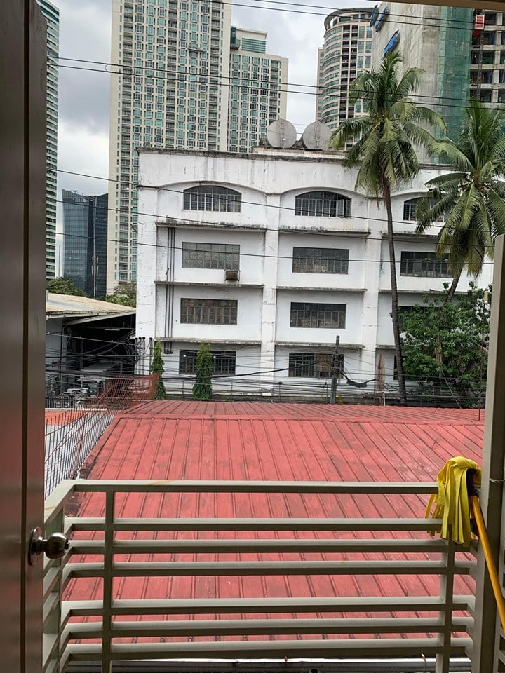 Looking for: Tenants (maximum of 2 person only)