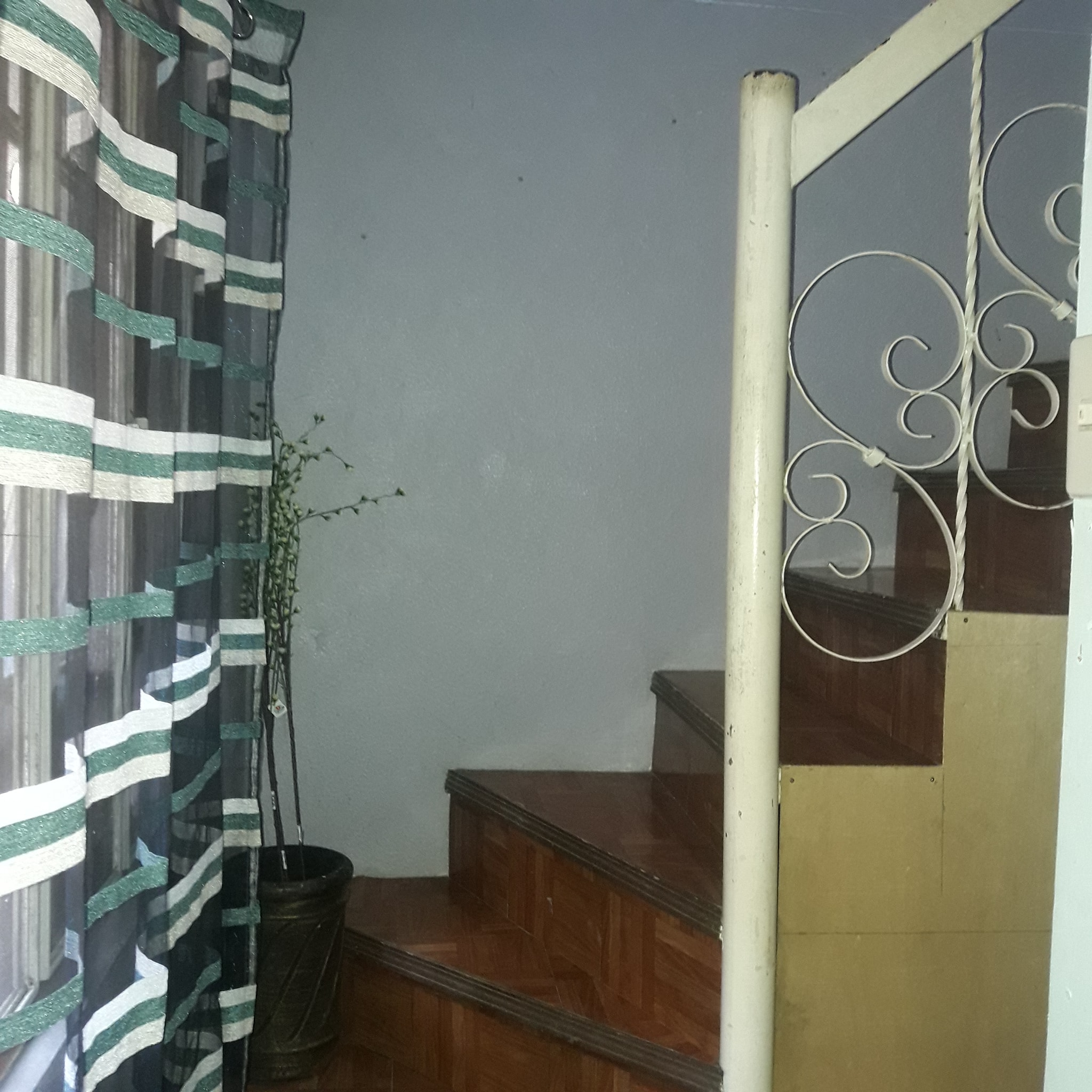 Looking for Female Bed Spacer Washington Makati