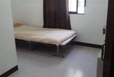 Female / Couple Room for Rent in Villamor Pasay
