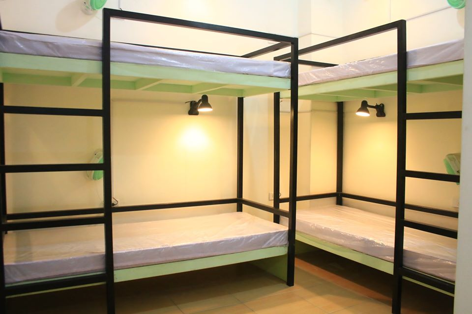 6 Bed Capacity Room