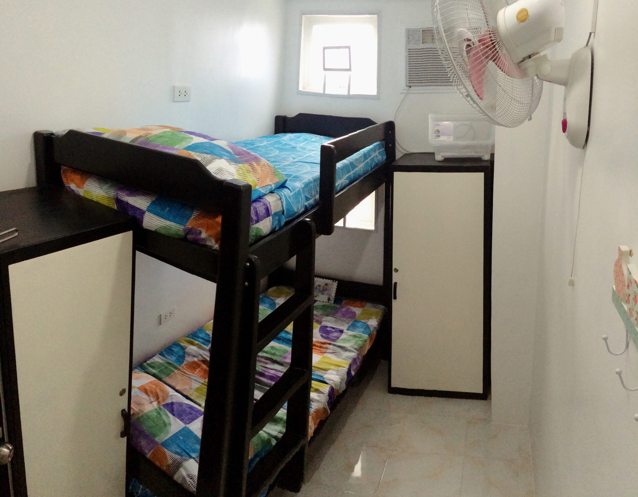 Ladies Dorm/ Room for Rent near BGC