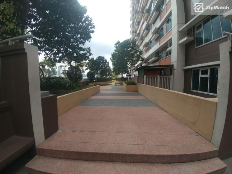 1 Bedroom Condo at One Gateway Place Pioneer