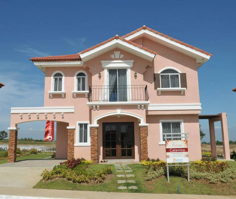 House and Lot for sale Near in Tagaytay City, Brand new Very good location to invest in Cavite