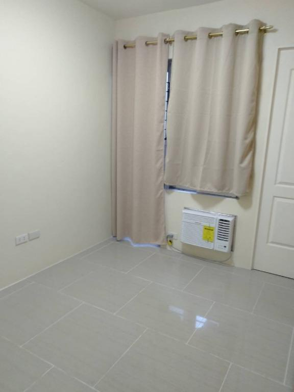 Pasay Big 4 Rooms Store, Storage, Office, Staff House Building for Rent